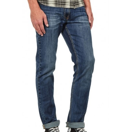 The Rhode Island model is a slim fit jeans for men by DickiesLife. It has 5 western style pockets.